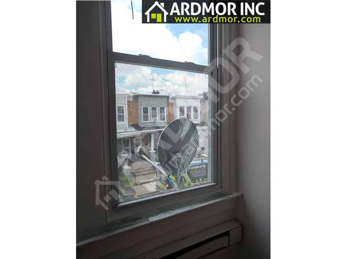 Broken_Glass_in_Double_Hung_Window_Replacement_Philadelphia_PA_before