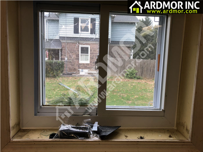 Broken_Sliding_Window_Glass_Replacement_Yardley_PA_before